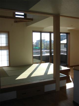 開放リビングの免震の家